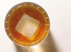 bourbon_glass
